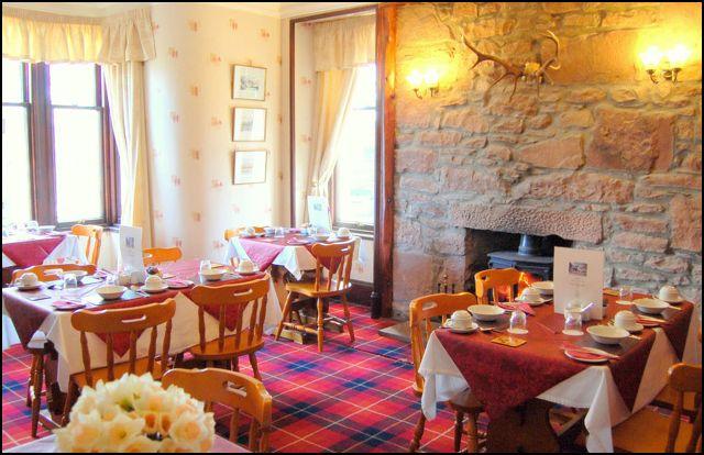 Glenan Lodge dining room