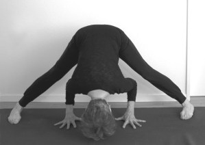 Stretching exercises for cyclists - Expanded leg yoga pose