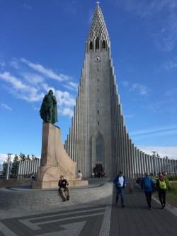 Hallgrímskirkja and Leifur Eiríksson