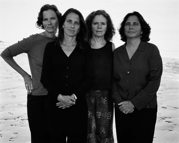 EBDLN-the-brown-sisters-take-photo-every-year-for-36-years-27