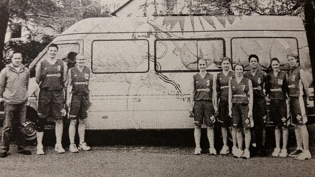 37.-2 Saison_ 2002-03_Seitz-Bus und Damen_ok