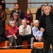Coach Peter Kortmann dirigiert die Baskets von außen: Foto: Harald Appel
