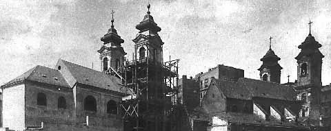 Bild vom Ab- und gleichzeitigem Aufbau der Kirche St. Josef ob der Laimgrube