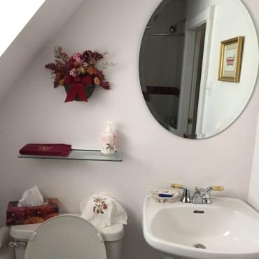 girls-bathroom