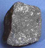 Meteorit Allende. Kredit Gambar : The Center of meteorite Studies, Arizona States Universities.