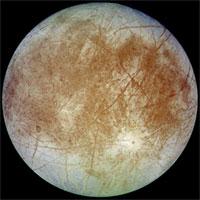 Europa, satelit Jupiter yang memiliki air. Kredit: NASA
