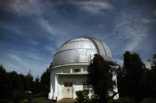 Observatorium Bosscha, 2011, di bawah langit selatan. Sumber: Alfan Nasrulloh, Observatorium Bosscha, Lembang, Indonesia.