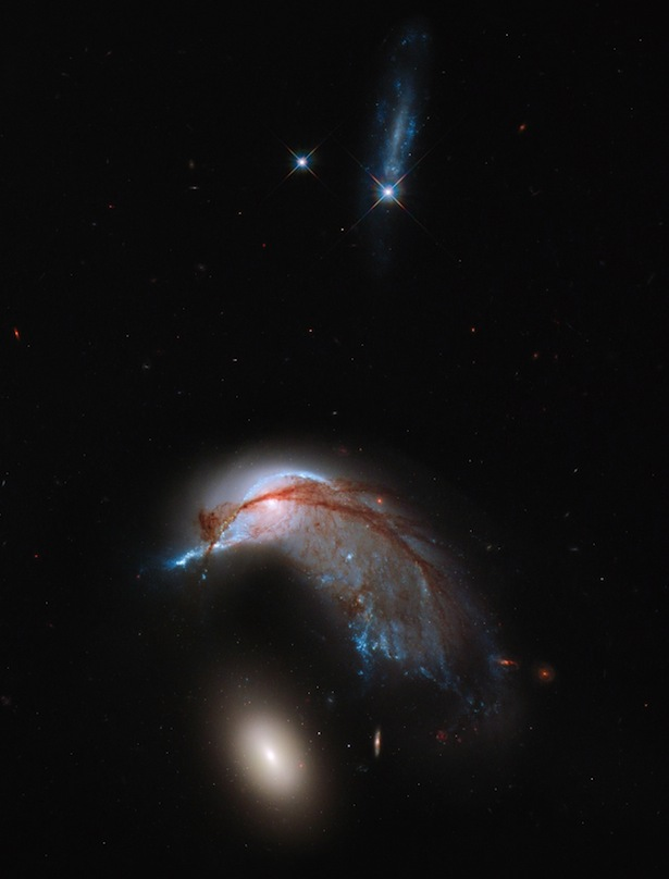 Atlas Galaksi Aneh. Kredit: NASA, ESA & Hubble Heritage Team (STScI/AURA)