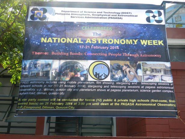 Spanduk yang memperlihatkan keramaian kegiatan Pekan Astronomi Nasional Filipina. Kredit: nggieng