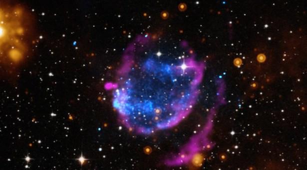 puing - puing supernova. Kredit: X-ray: NASA/CXC/Morehead State Univ/T.Pannuti et al.; Optical: DSS; Infrared: NASA/JPL-Caltech; Radio: NRAO/VLA/Argentinian Institut of Radioastronomy/G.Dubner