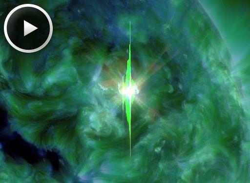 Radiasi ultra ungu saat Suar Matahari kelas X1. Kredit: SDO