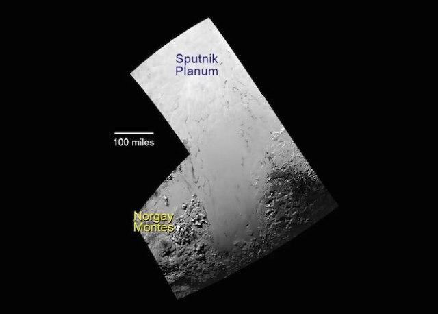 Daerah pegunungan es (Norgay Montes) dan dataran es (Sputnik Planum) di Tombaugh Regio. Kredit:  NASA/JHUAPL/SWRI