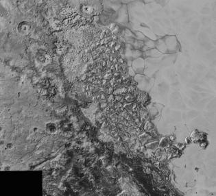 Wilayah yang rusak dan penuh kekacauan di Pluto. Area di foto mencakup 470 km dan berada di barat laut Dataran Sputnik. Kredit: NASA/Johns Hopkins University Applied Physics Laboratory/Southwest Research Institute