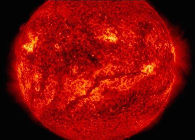 Memahami korona Matahari. Kredit: NASA/SDO