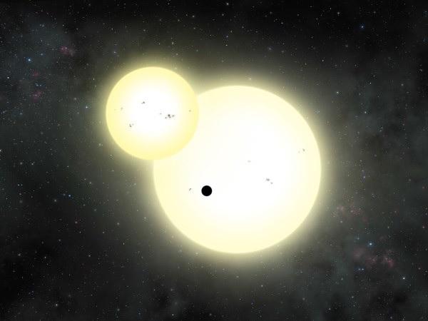 Ilustrasi planet Kepler-1647b yang sedang melintasi bintang ganda gerhana yang jadi bintang induknya. Kredit: Lynette Cook