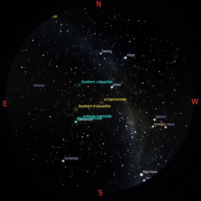 Peta langit tanggal 1 Agustus 2016 pukul 23:56 WIB. Bima Sakti membentang dari timur laut ke barat daya. Bintang-bintang terang dapat digunakan sebagai panduan dalam mencari benda langit. Kredit: Star Walk