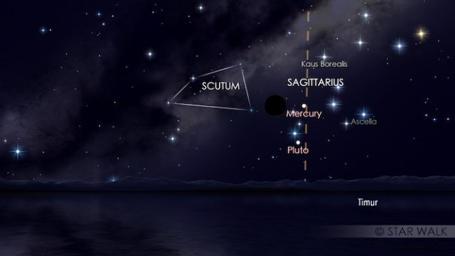 Pasangan Bulan dan Merkurius di ufuk timur saat keduanya terbit sebelum fajar menyingsing. Simulasi dibuat untuk pukul 05:00 WIB. Kredit: Star Walk