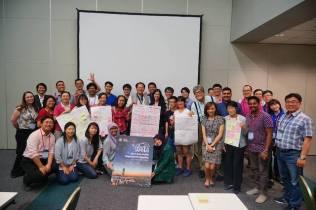 Foto bersama sesi Edukasi dan Penjangkauan Publik. Kredit: IAU OAO