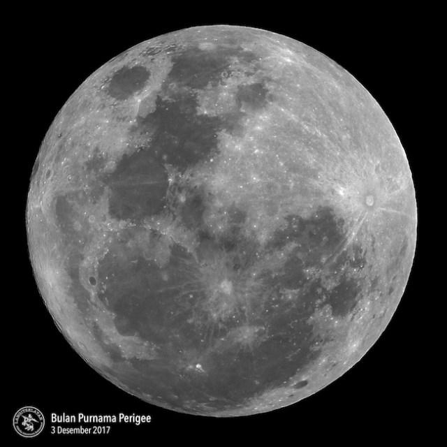 Supermoon atau Bulan Purnama Perigee tanggal 3 Desember 2017. Kredit: Avivah Yamani / langitselatan