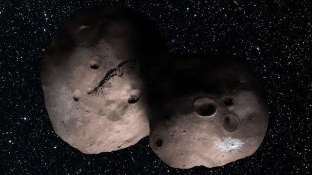 Ilustrasi KBO 2014 MU69, misi terbang lintas New Horizons yang terakhir. Kredit: NASA/JHUAPL/SwRI/Alex Parker