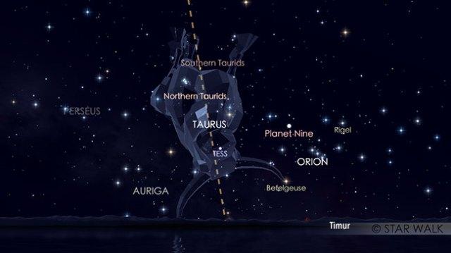 Puncak hujan meteor Taurid Selatan 5 November pukul 21:30 WIB. Kredit: Star Walk