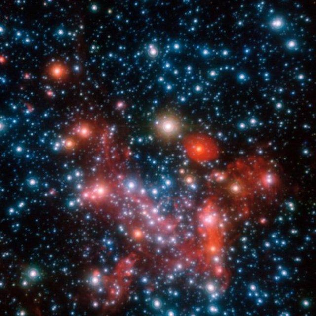 Area pusat galaksi yang diamati dengan instrumen NACO pada VLT. Kredit: ESO/S. Gillessen et al.