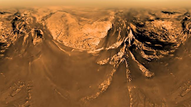 Permukaan Titan yang dipotret Wahana Huygens. Kredit: : ESA/NASA/JPL/Universitas Arizona