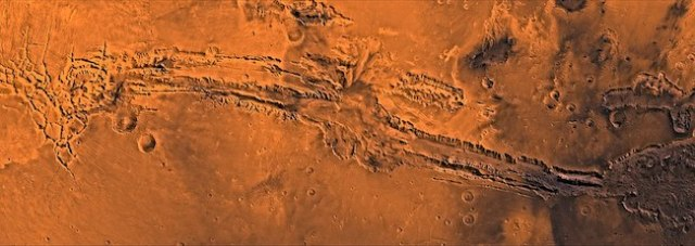 Valley Mariner atau Valles Marineris di Mars yang difoto oleh pengorbit Viking. Kredit: NASA / JPL-Caltech