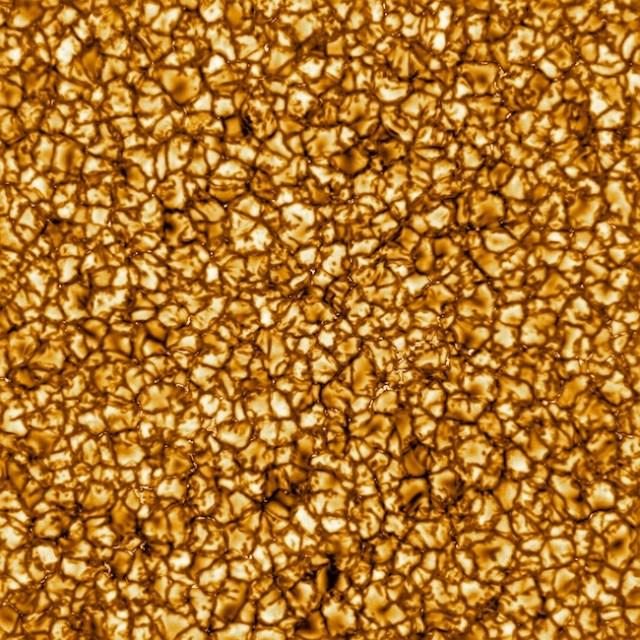 Plasma panas yang mencapai permukaan Matahari yang berhasil dipotret DKIST. Kredit: NSO/AURA/NSF