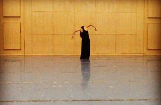 """Lee Choy Wan rehearsing her solo piece, """"The Next Door"""", Henan Normal University Conservatory of Music, Xinxiang, 20 August 2014."""