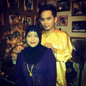 Fairul and Maskiah Jahari in their home in Bandar Penawar, Kota Tinggi, 2012. Photo © Farra Nordiana