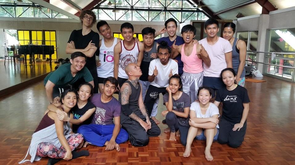 [Top row, left to right] Arco Renz, Lyg Carillo, Japhet Mari, Kaka Pha Oudom, Nitipat Ong Pholchai, Siko Setyanto, Al Bernard Velarde Garcia, Eisa Jocson; [middle row, left to right] Faillul Adam, Darlane Litaay, [bottom row, left to right] Sonoko Shoji, Tan Bee Hung, Chy Ratana, Nguyễn Duy Thành, Fadilla Oziana, Kai Eng, Yun Ying Foo. Rimbun Dahan, Kuang, 2015. Poto © Faillul Adam