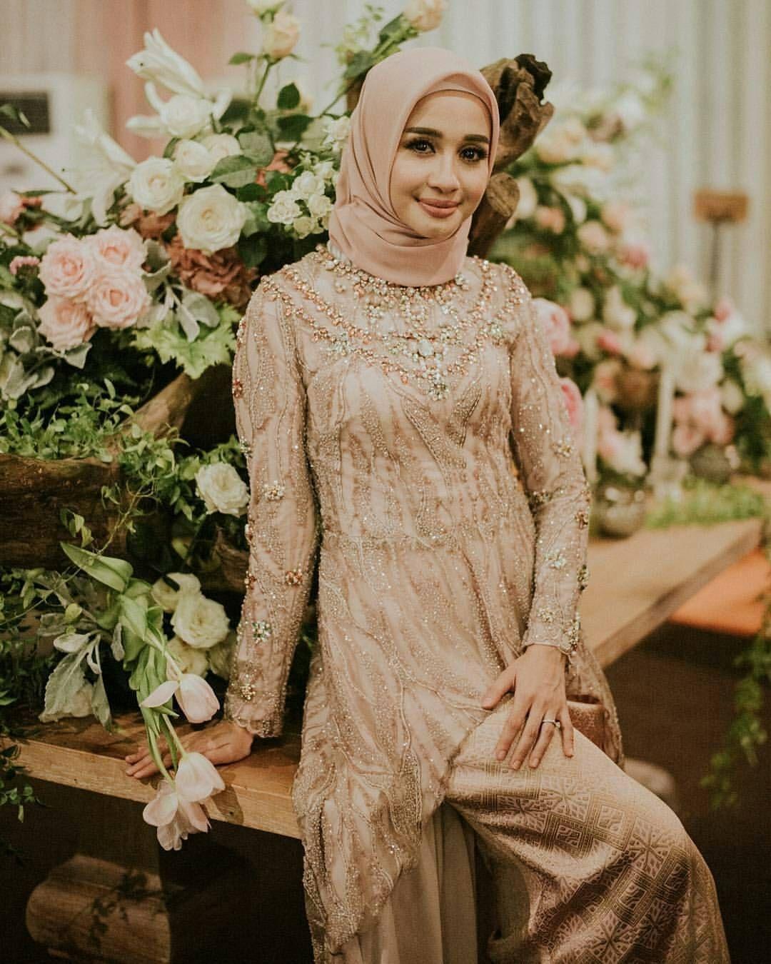 baju kondangan simple hijab yang elegan