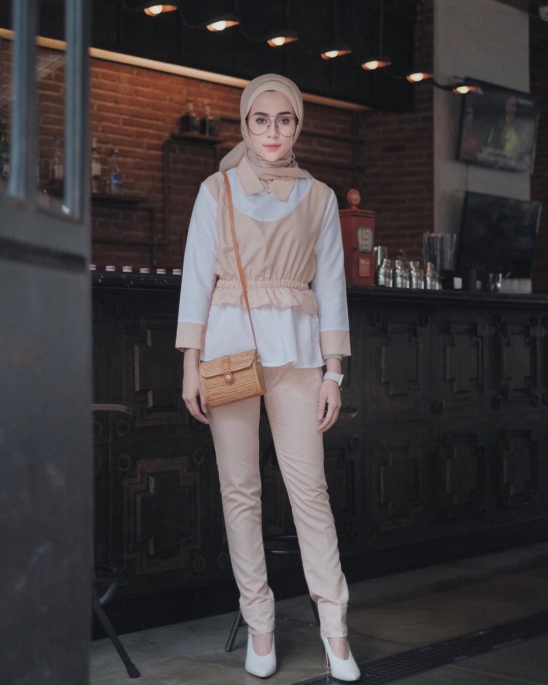 baju setelan celana hijab dengan pants coklat