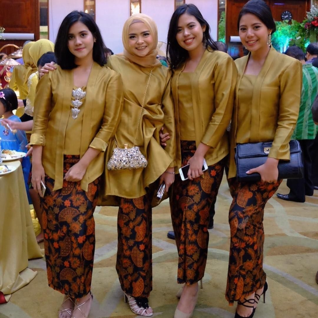 Bawahan batik kebaya kombinasi polos