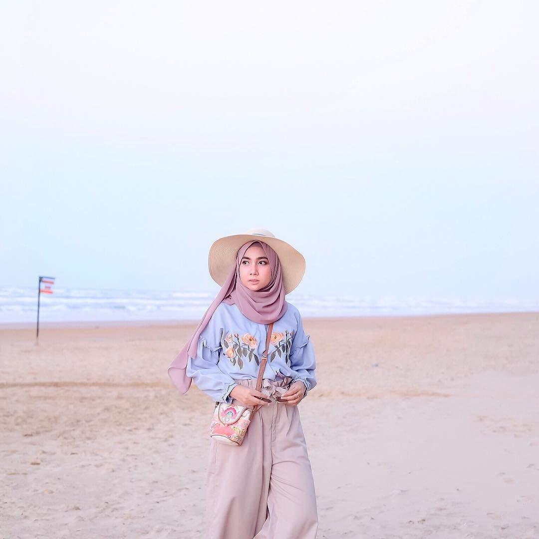 contoh style hijab ke pantai paling populer