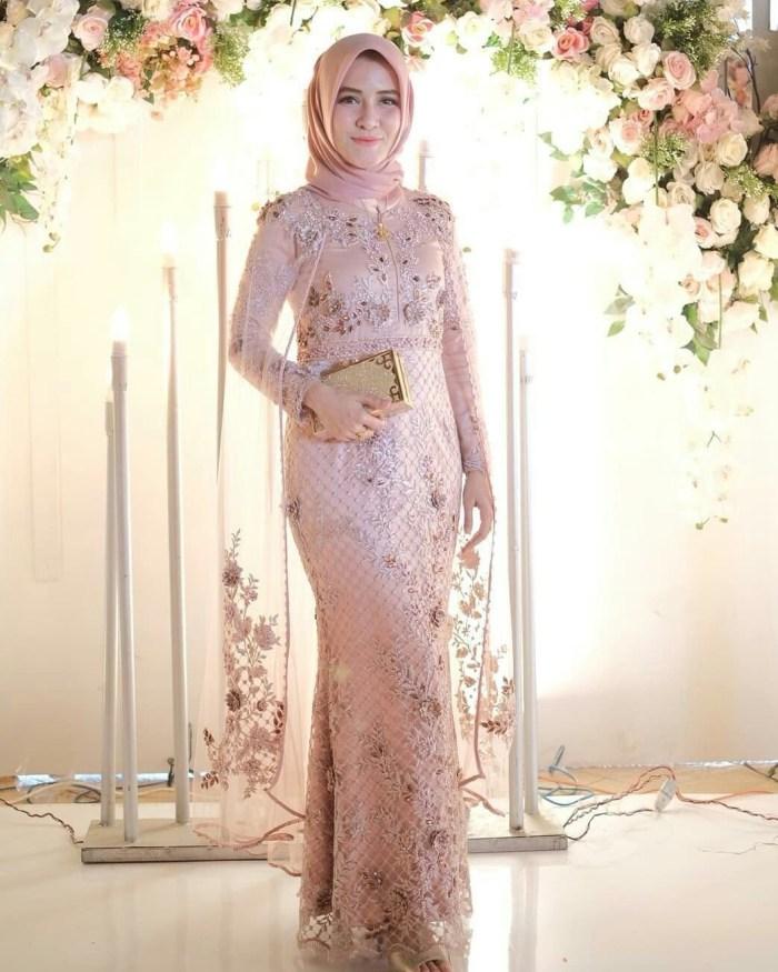 Dress kondangan yang elegant