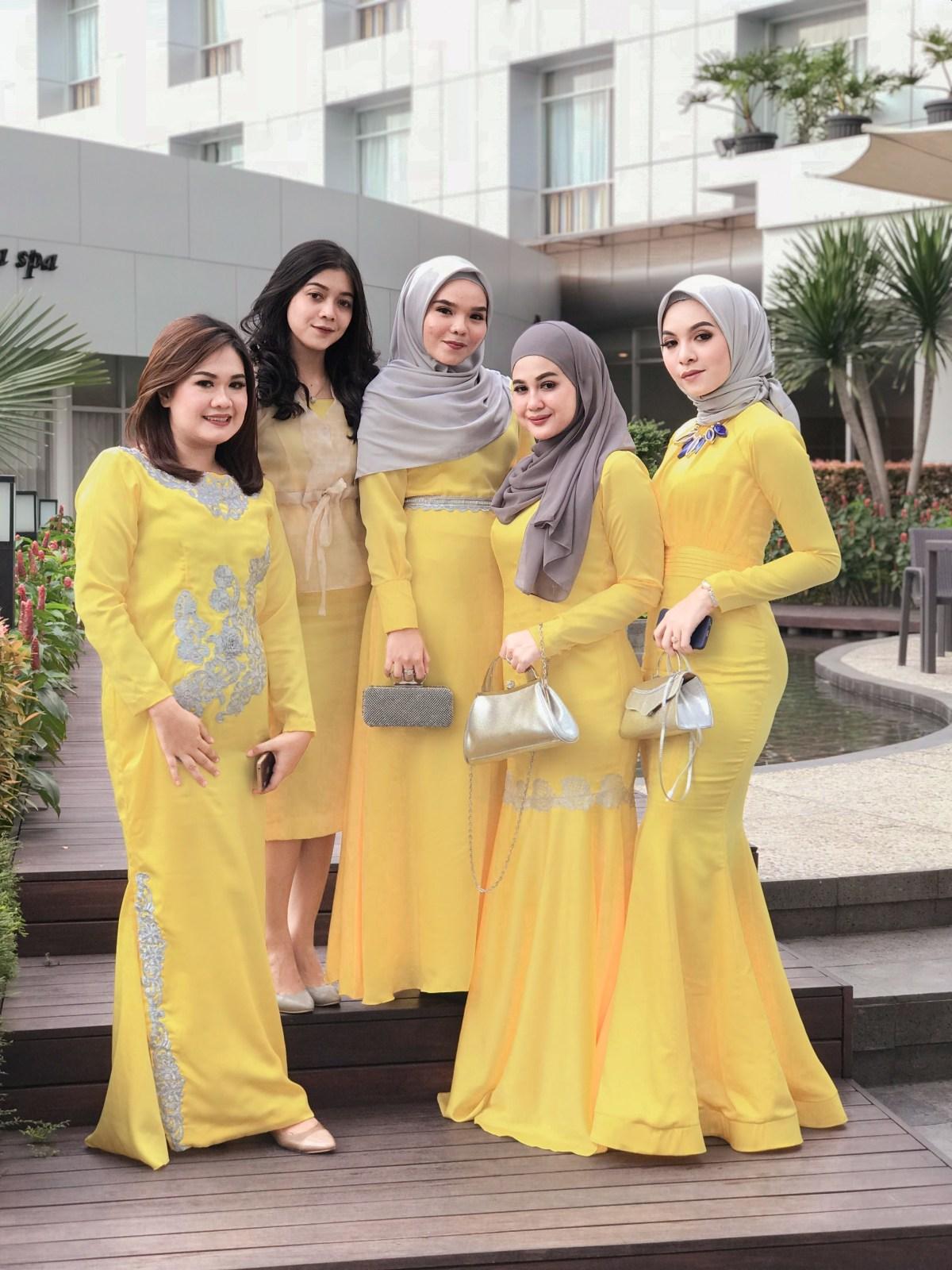 Dress kuning cetar