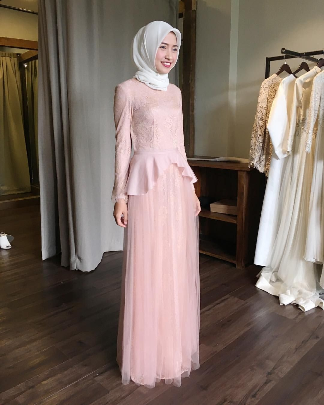 Dress simple warna pink kalem