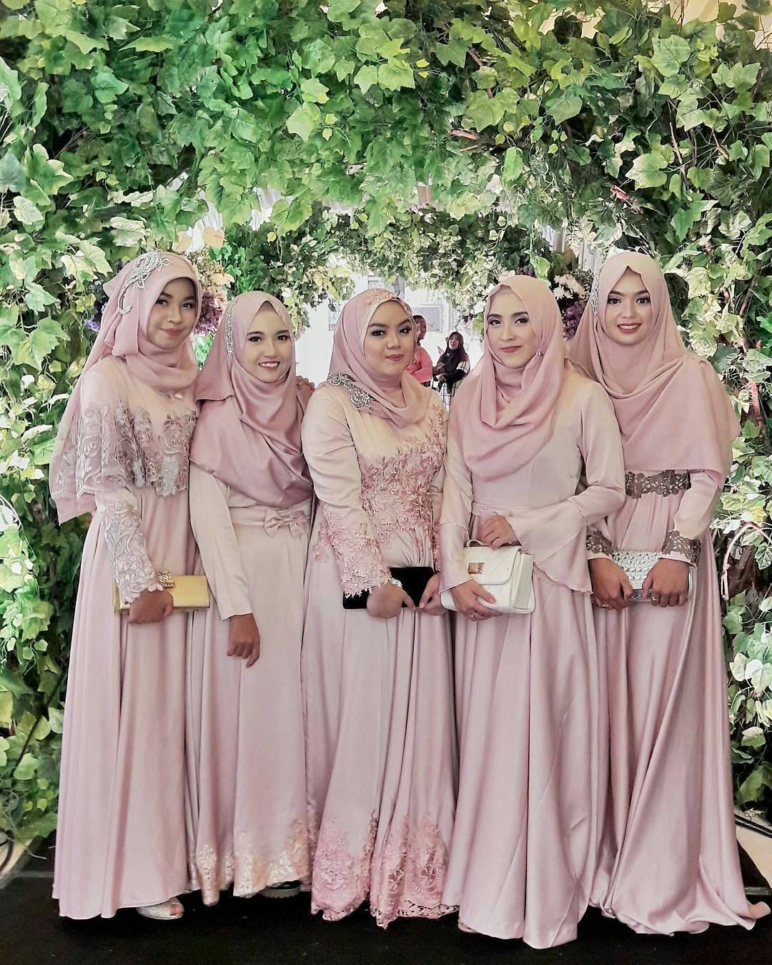 Dress untuk bridesmaid
