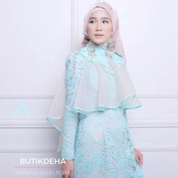 Gaun muslim warna biru muda