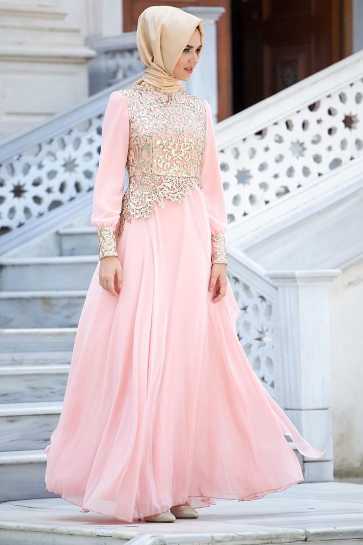 Gaun warna peach
