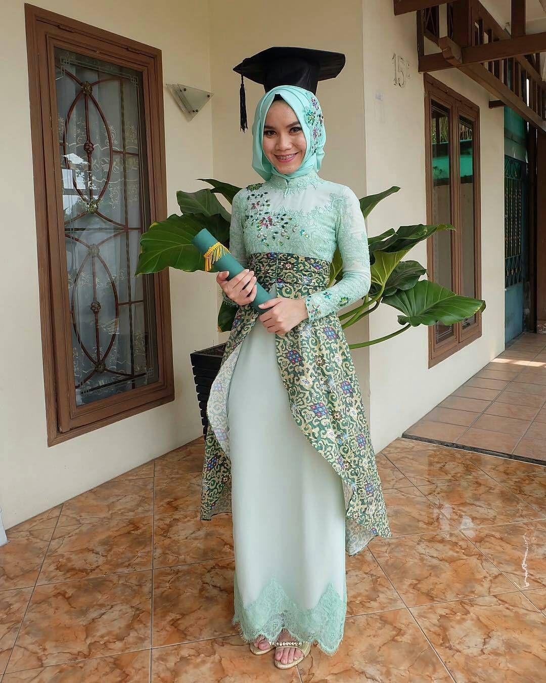 kebaya wisuda modern hijab dengan dress unik