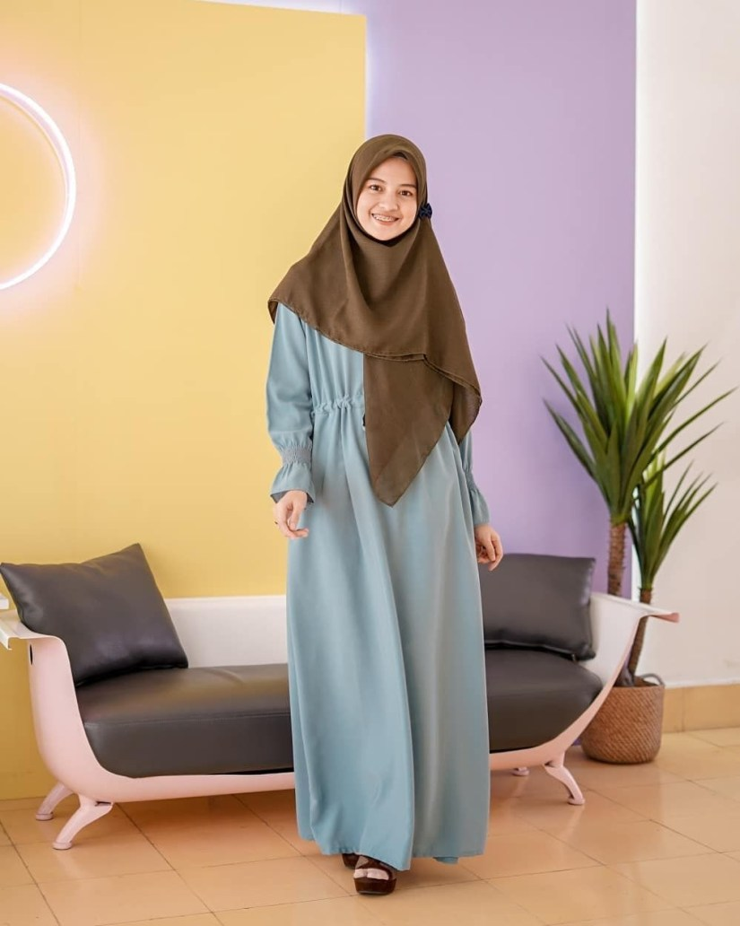 Style baju hijab simple dengan dress