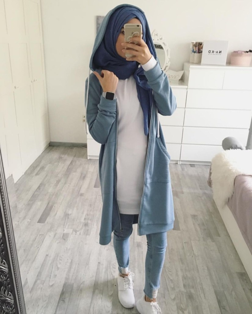 Style baju hijab simple dengan hoodie
