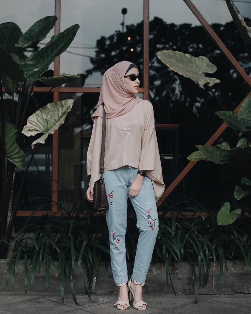 Style baju hijab simple nan santai