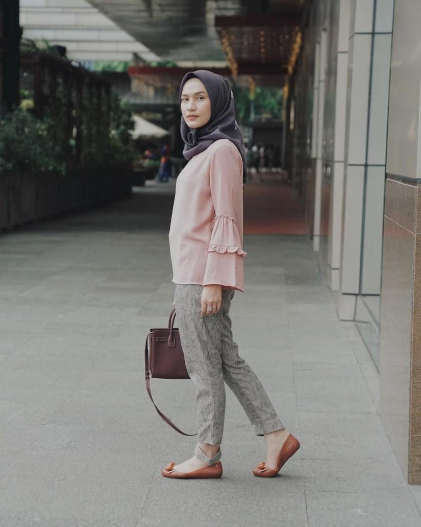 Style baju hijab simple untuk jalan jalan
