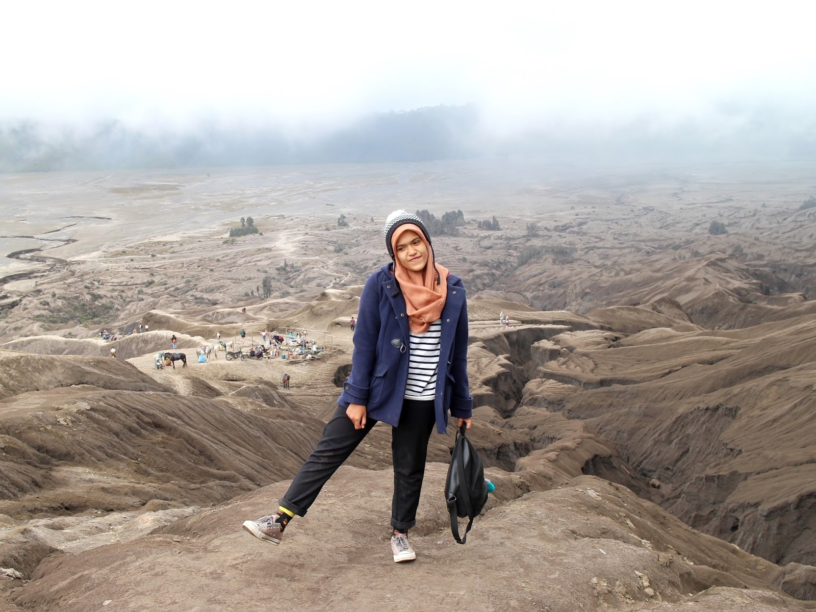 travel outfit 1 bromo mountain wawa yasarunas