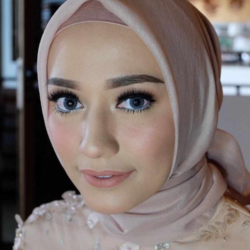 Tutorial make up natural hijab untuk acara pertunangan
