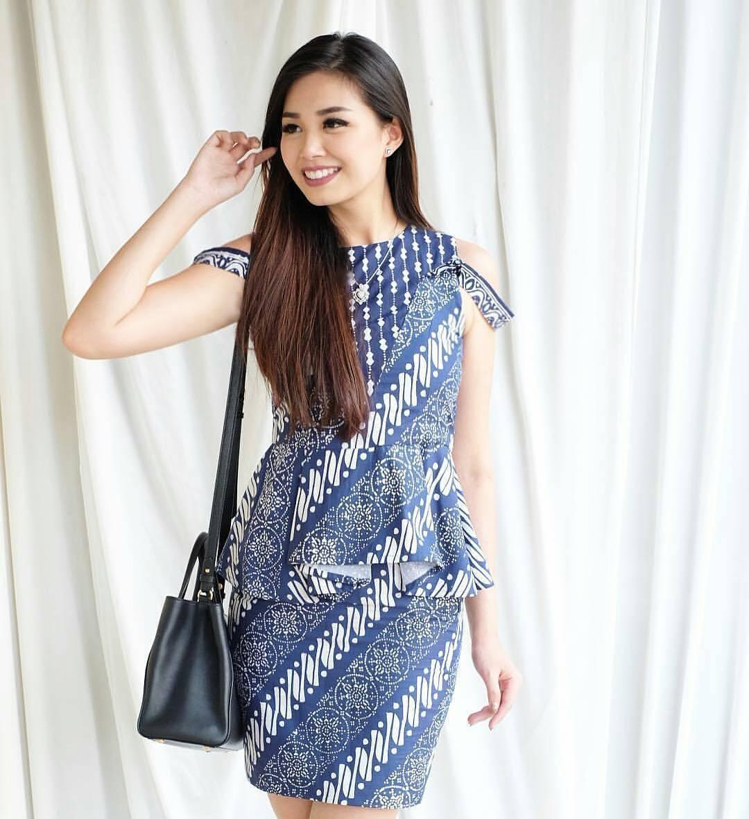 contoh baju batik wanita model yang kekinian 1